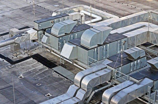 Tuyaux de ventialtion sur toit